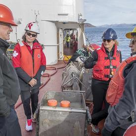 Dans l'après-midi, Son Excellence a visité le NGCC Amundsen.