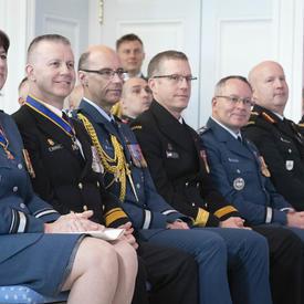 Des récipiendaires de l'Ordre du mérite militaire participent à la cérémonie