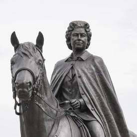 L'inauguration de la statue équestre de la reine Elizabeth II
