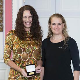 La Dre Erin Michalak reçoit le Prix Feuille d'or des IRSC de la gouverneure générale