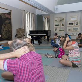 Une séance de yoga a eu lieu.