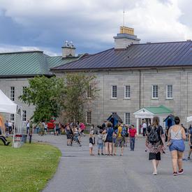 Visitors arriving at the Citadelle of Québec.