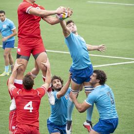 L'équipe masculine de rugby du Canada a joué contre l'Uruguay.