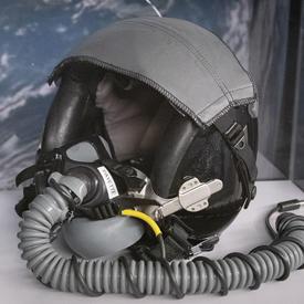 Casque porté par la gouverneure générale Julie Payette pour piloter des avions T-38 de la NASA.