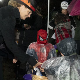 The Governor General greets trick-or-treaters.