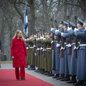 President Kersti Kaljulaid and the Governor General inspect the guard of honour.