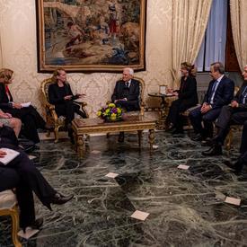 La gouverneure générale et d'autres fonctionnaires canadiens rencontrent les présidents et des fonctionnaires italiens.