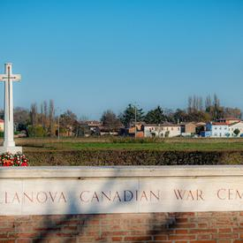 Photo du Cimetière de guerre canadien de Villanova.