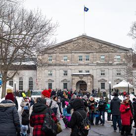 Des milliers de personnes se sont rassemblées à Rideau Hall pour la Célébration hivernale du 1er  février 2020.