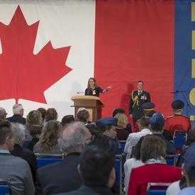 La gouverneure générale a prononcé une allocution lors de laquelle elle a félicité les récipiendaires pour leur excellence, leur courage ou leur sens du devoir exceptionnel.