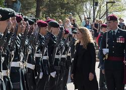 The Governor General visited Edmonton on the first day of her official visit to Alberta. Upon her arrival atthe Legislative Assembly she received military honours. Dur ingthe dayshe metwith provincial officials including the Lieutenant Governor and th